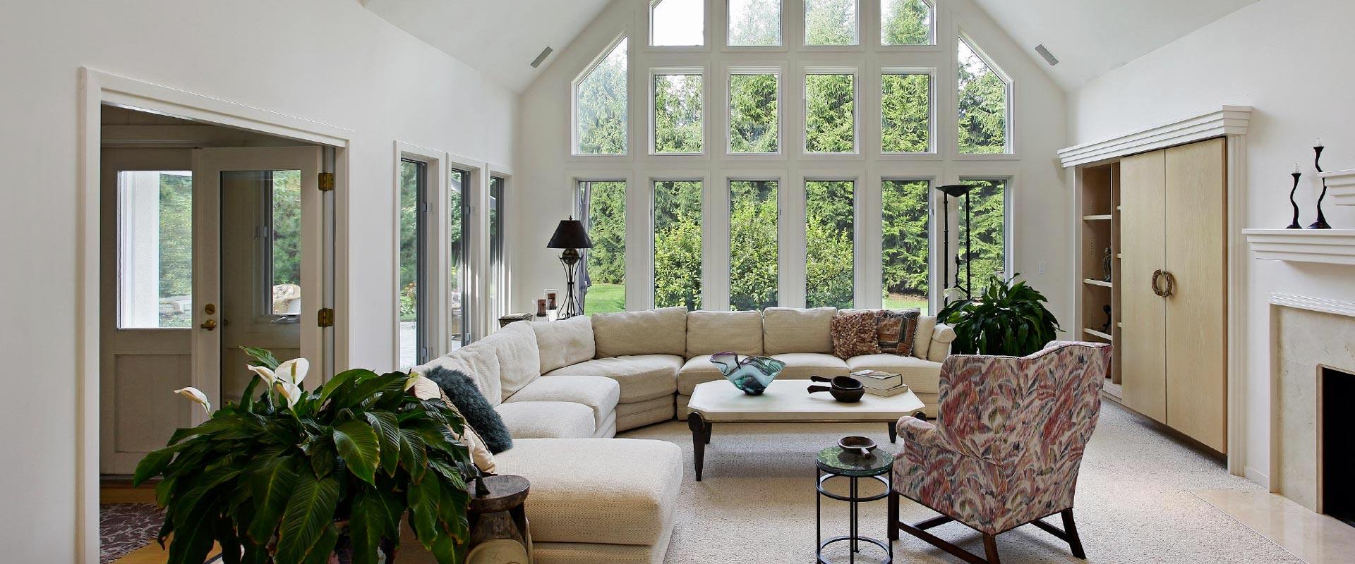 Salón vivienda unifamiliar con perfiles Carpintek